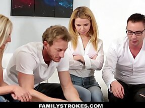 Amelie & Bambi & Anthony & Riley & Patricia & Bibi & Emma & Mariana in a family orgy where awesome